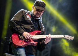 Китаристът на Saxon Paul Quinn с групата му идват в София през февруари